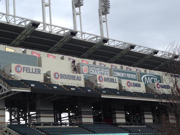 Cleveland Indians Remove 7 000 Seats Replace Them With